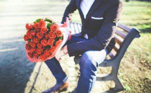 もうすぐバレンタインデー!今年は男性から女性へあげてみませんか?