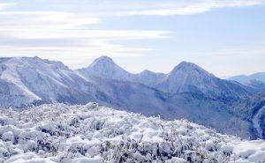 【冬の八ヶ岳連峰・天狗岳】冬山の自然に包まれ山小屋でゆっくり一泊